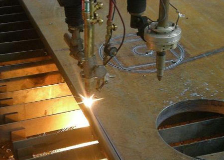 How to effectively solve the error of numerical control equipment in steel plate cutting